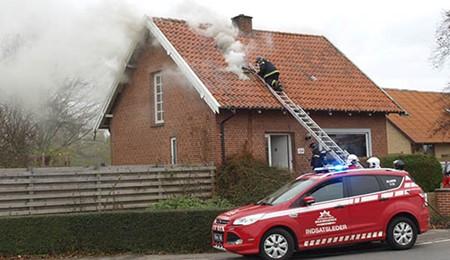 Hus i H�jby ubeboeligt efter brand