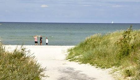 Badning frarådes ved to strande