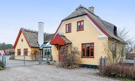 Flot bondehus midt i Rørvig