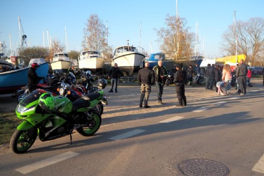 MC-folket mødtes til tirsdagstræf på havnen