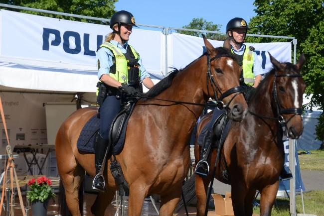 Ridende politi i Algade i Nykøbing