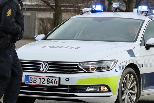 Personbil og lastbil stødte sammen i Nykøbing