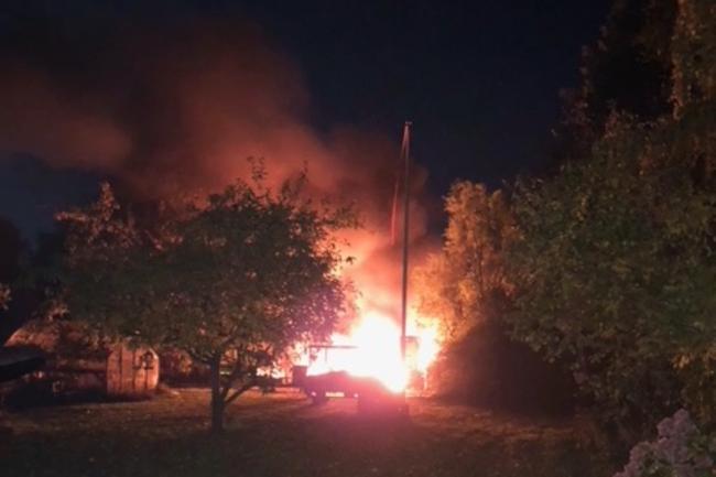 Eksplosionsagtig brand i bil i Hørve