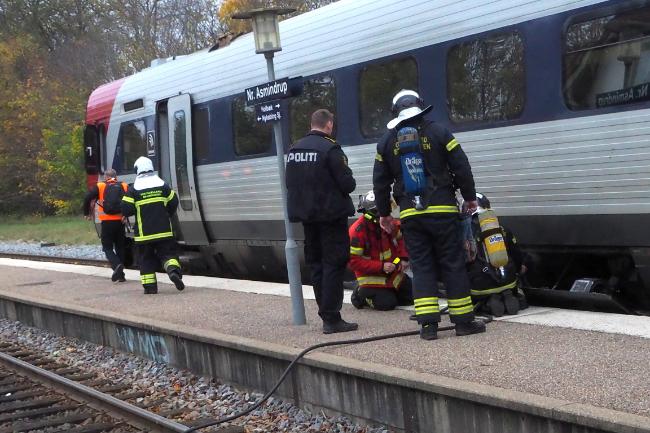 Politiet undersøger årsagen til brand i tog