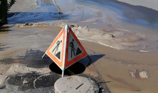 Brud på stor vandledning i Jagtborg