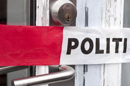 Nabo opdagede indbrud i fritidshuse