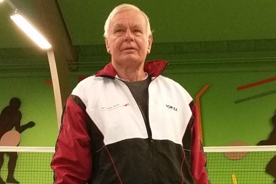 Kendt profil stopper med badminton