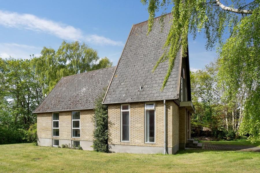 Bedemand har købt kirkebygning