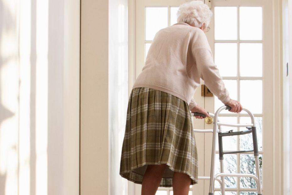 Regeringen åbner for besøg på plejehjemmene
