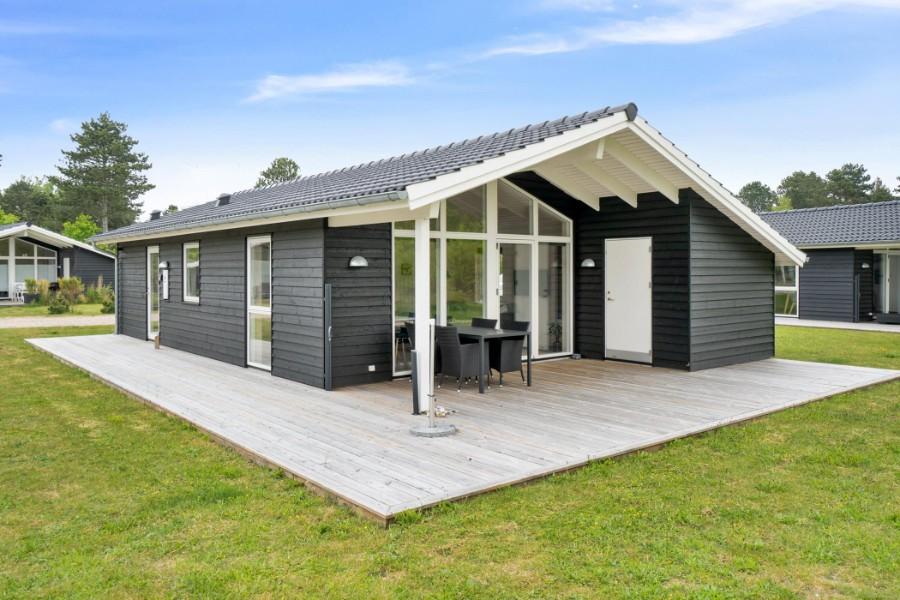 Nyere feriehus i attraktivt område