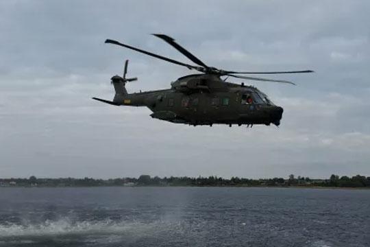 Redningsaktion med to helikoptere