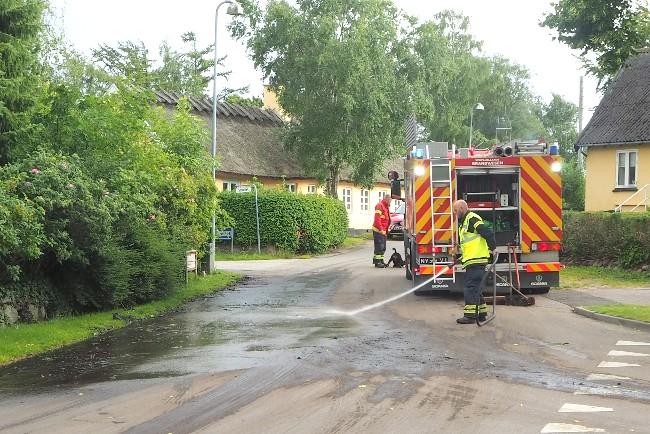 Lastbil spildte ulækkert slam på gader i Rørvig