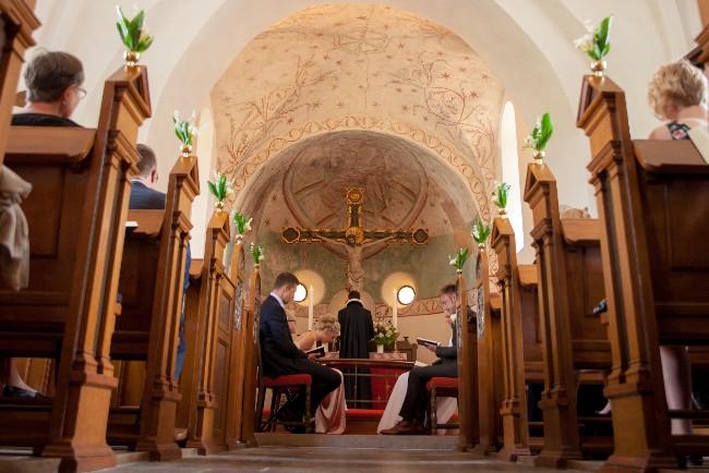 Bryllupper lider under kirkens arealkrav