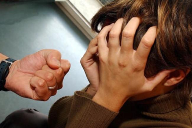 29-årig mand sigtet for vold mod yngre kvinde