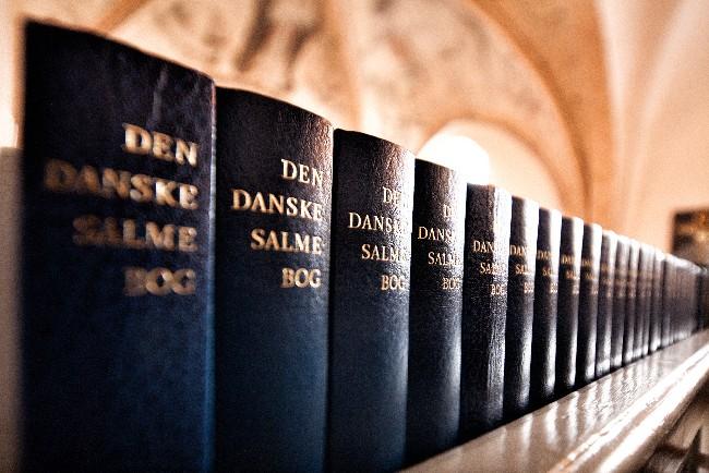 Nykøbing Kirke sender salmebøger i karantæne