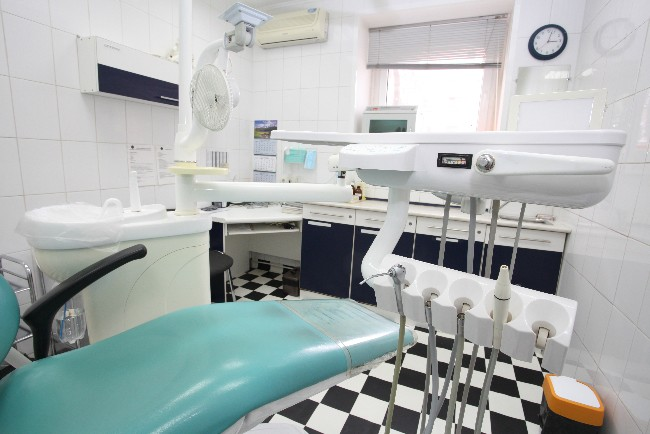 Tandlægeklinik har alvorlige problemer