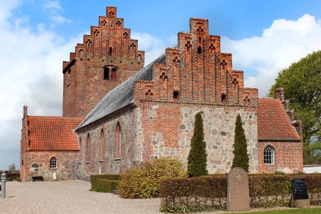 Alvorlige fugtskader i Egebjerg Kirke