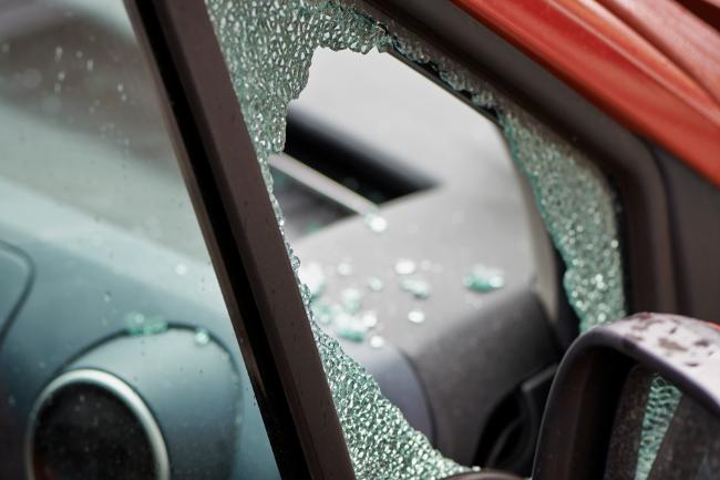 Indbrud i bil i Højby
