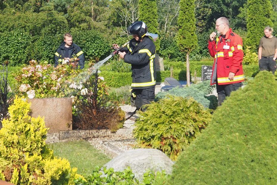 Mindre brand på kirkegården i Rørvig