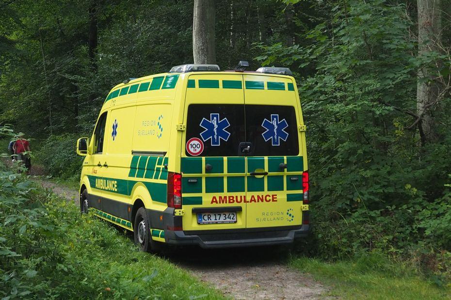 Ældre dame fra Nykøbing uheldig på tur - brækkede hofte og skulder